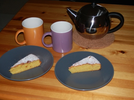 Lavender rooibos tea and yummy hot cake just out of the over! Mmmmm - pure pleasure!